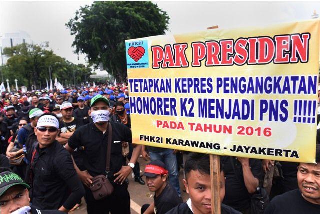 Istana Bantah Presiden Jokowi Pernah Janjikan PNS Guru Honorer