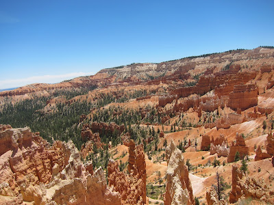 Wide view photo of Bryce Canyon National Park