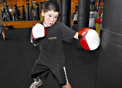 tập boxing với trẻ em