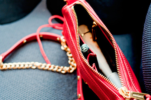 essentials for women's purse, in lady's wallet, what to put in my purse, things to have in purse,