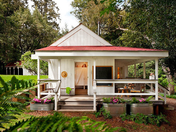 Small House With Red Roof By Richardson Architects