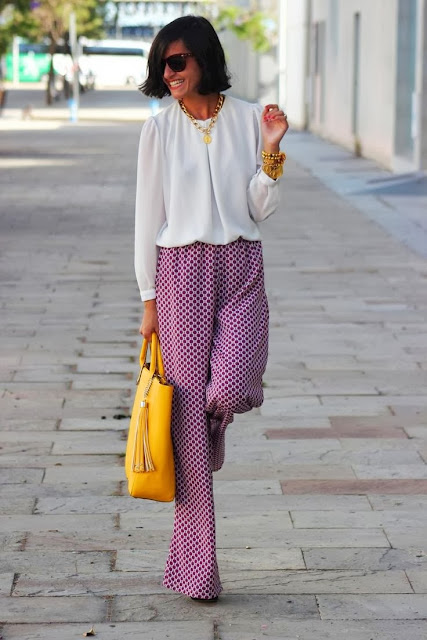 street style: loose lilac pants with yellow bag