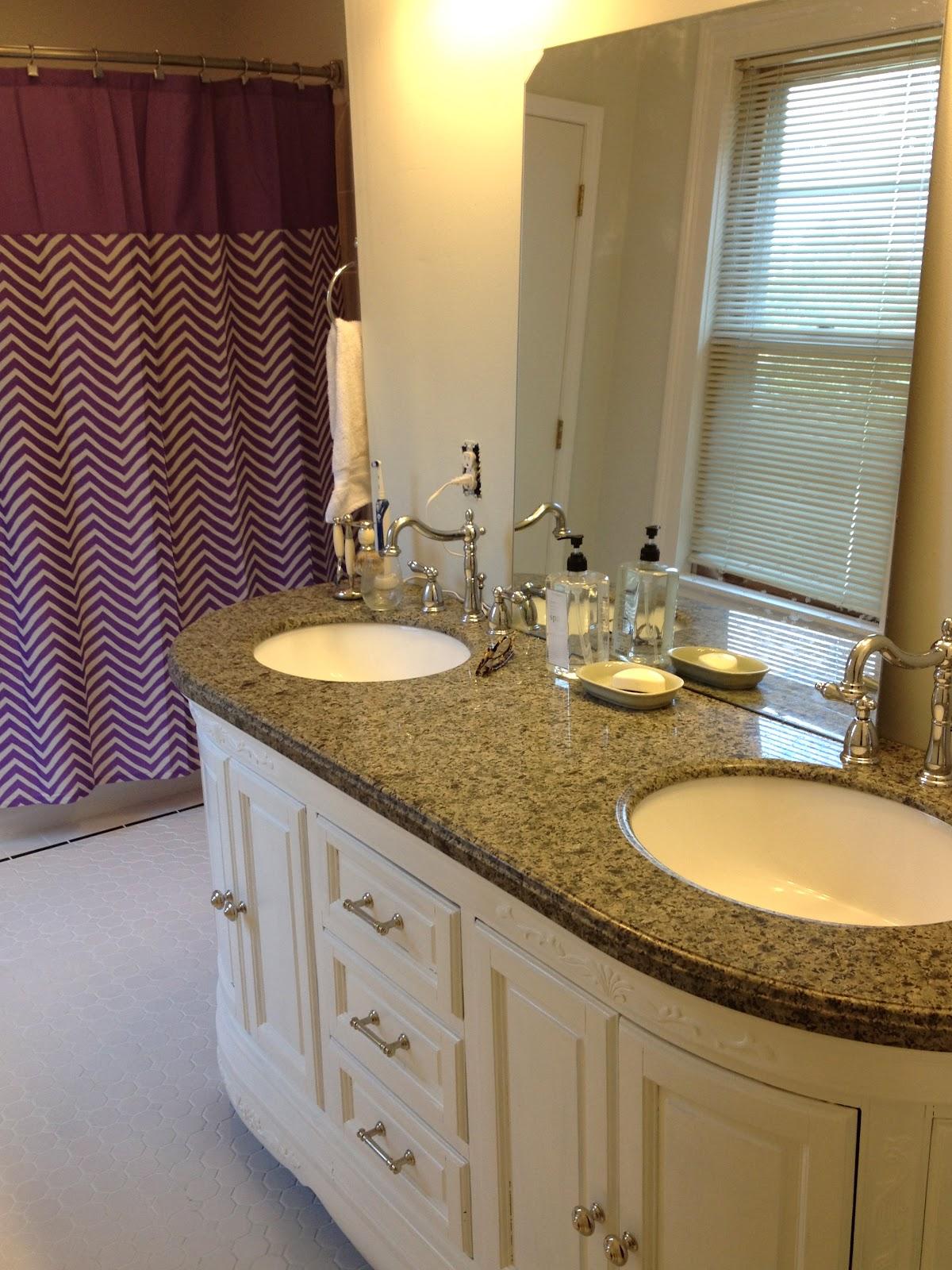Mel Amp Liza Bathroom Renovation Finishing The Tile Floors