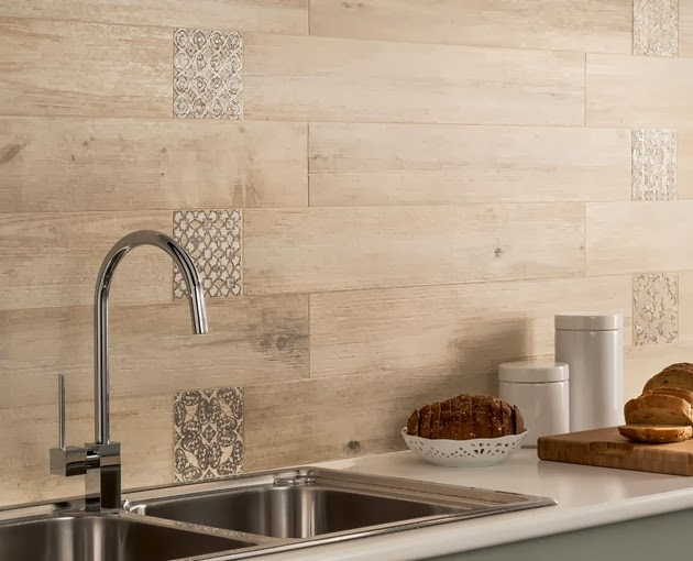 Desain Rumah Modern Dengan Dinding dan Lantai Kayu