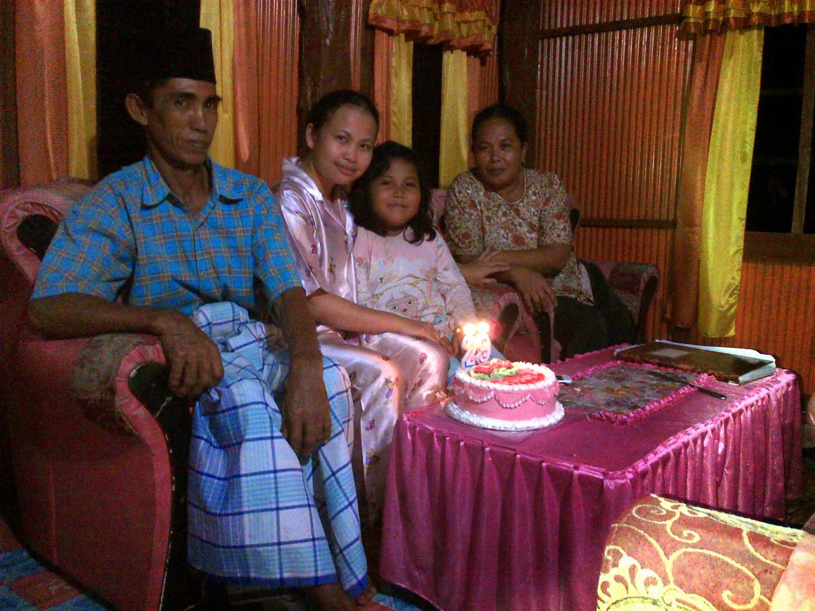 Foto bersama keluarga