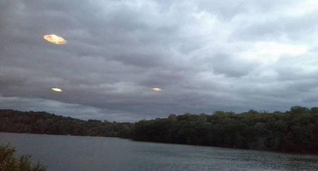 UFO News ~ Giant UFO Near Jupiter and MORE Golden%2Bshining%2Bufo%2Bkirk%2Blake%2Bnew%2Byork