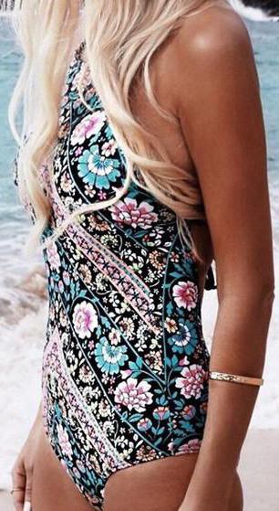 One Piece Bikini Swimming Suits Beaches #Swimwear #Bikinis