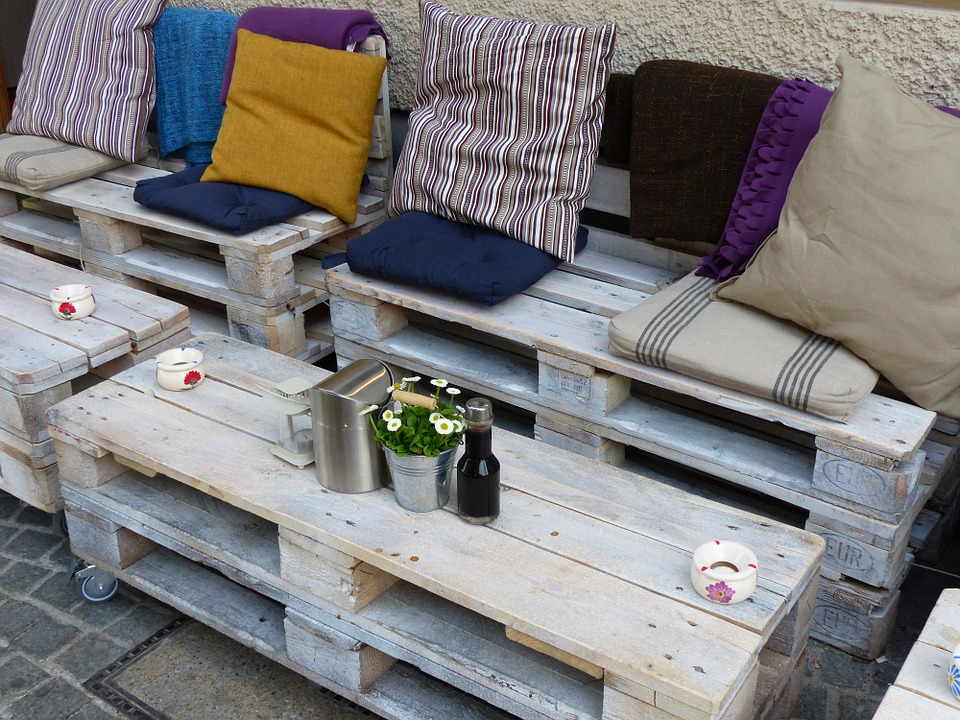 5 Up-cycle Ideas For The Garden To Try Out