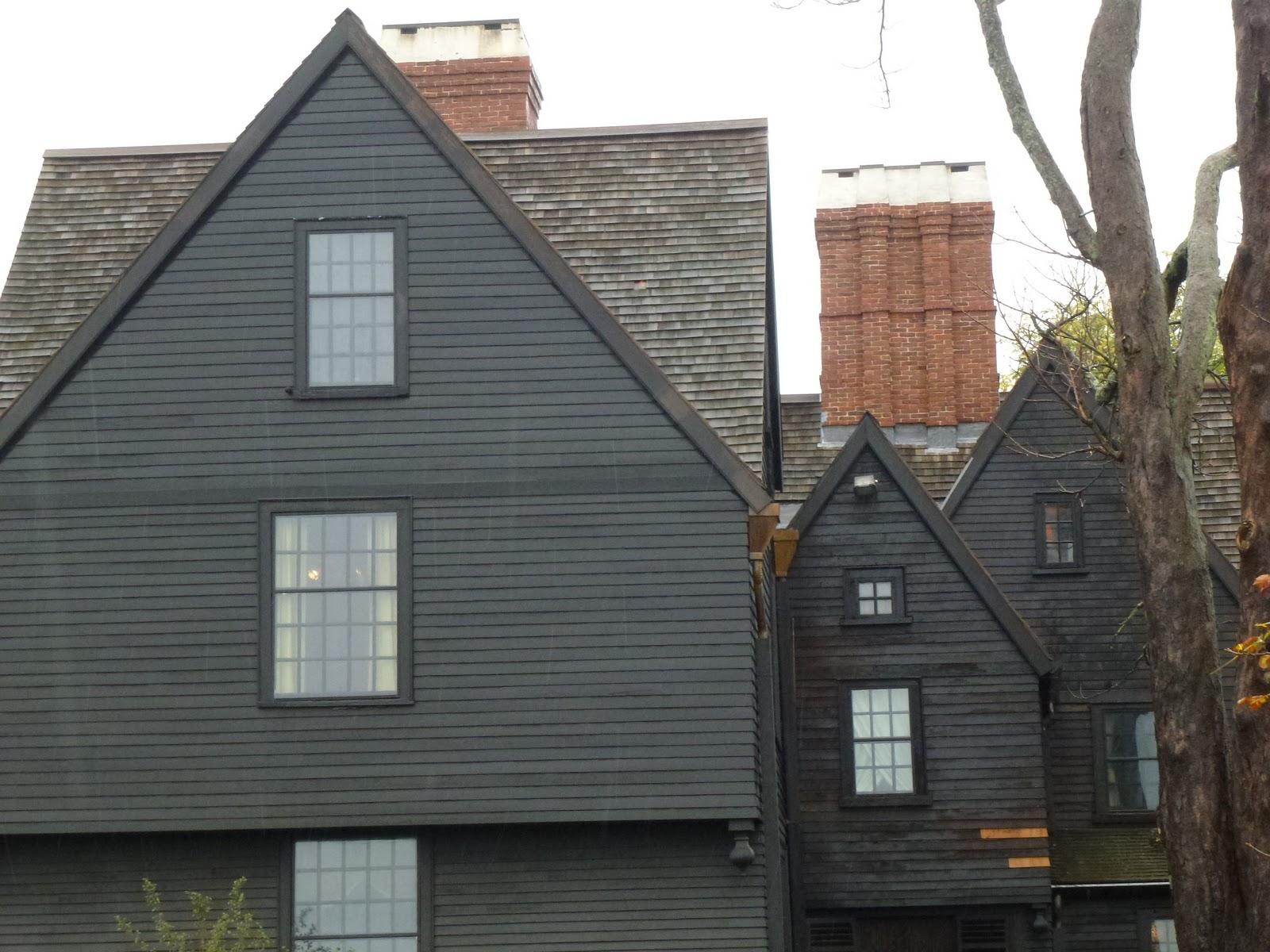 une vie lire la maison aux sept pignons 2 2. Black Bedroom Furniture Sets. Home Design Ideas