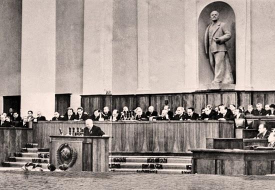 Chruščёv al XX Congresso del PCUS