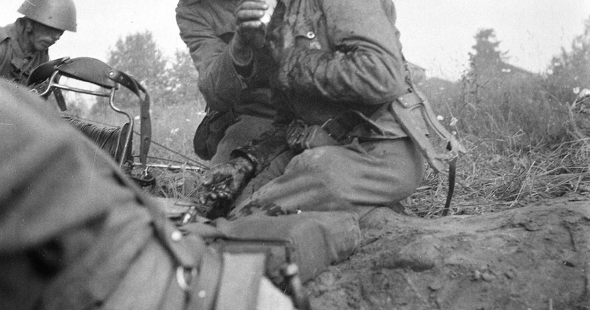 Okinawa, RAF Meteor, Desert Rats, Berlin, V3 WW2, VC The War