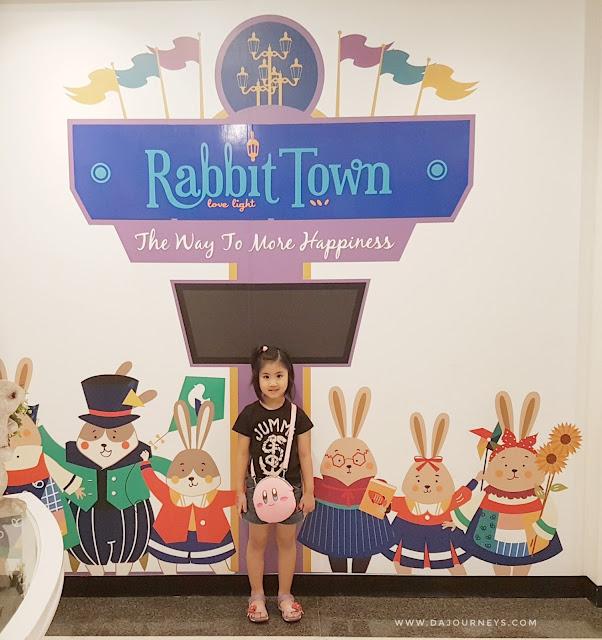 Wisata Selfie di Rabbit Town