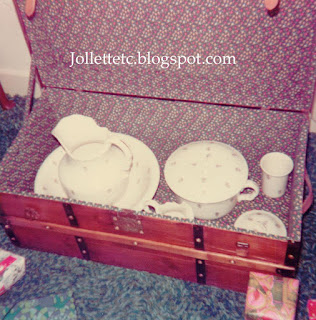 Trunk and Victorian wash set 1973 https://jollettetc.blogspot.com