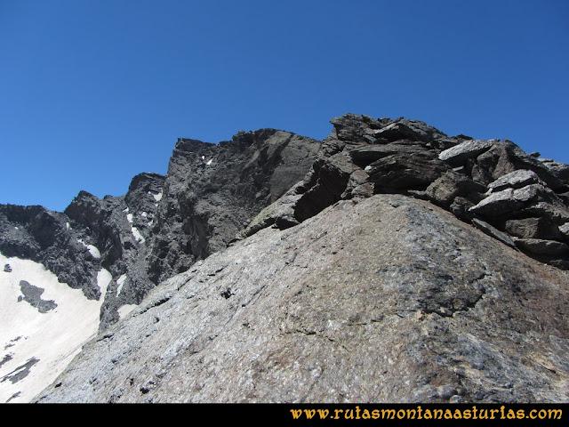 Ruta Hoya de la Mora - Veleta: Subiendo por la arista