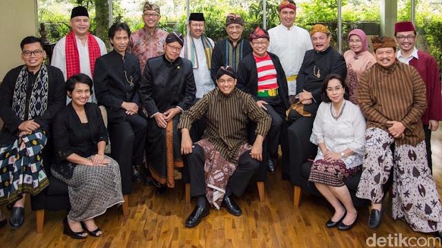 Pak Anies Baswedan beserta jajaran di lingkungan Kemendikbud