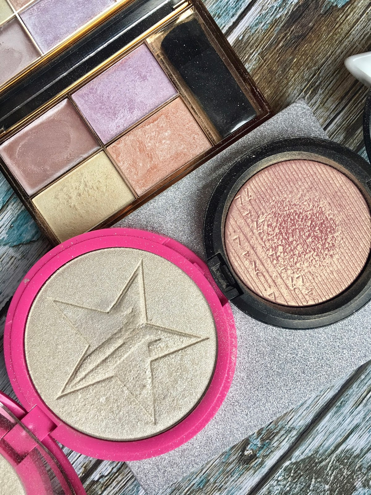 highlighter for pale skin and swatches, jeffree star, loreal, urban decay