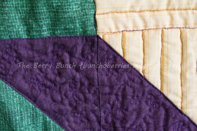 The Berry Bunch: Labyrinth Lap Quilt {Quilting}