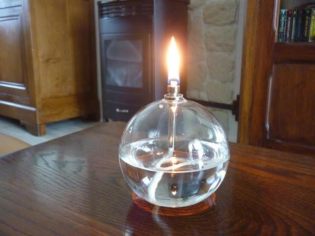 Une lampe à huile chez soi, pour un effet cocooning garanti