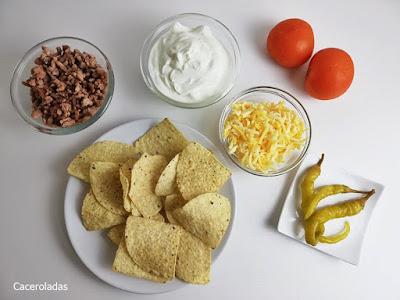Ingredientes nachos con carne y queso