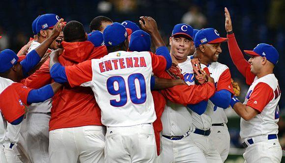 """El tema, por suerte, volvió a ser la llamada """"pasión de los cubanos"""", y lo principal del asunto es que todavía quedan verbos para un relato que continuará el próximo sábado"""