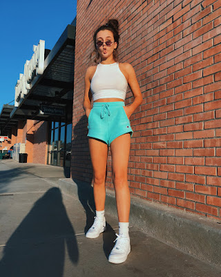 Emma Chamberlain Age, Bio, Height, Wiki, Net Worth & More