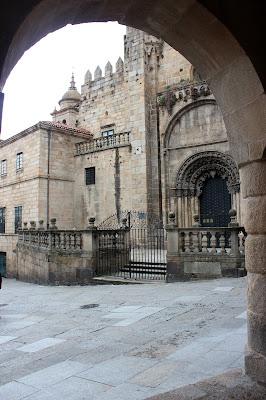 Puerta románica de la catedral de Orense