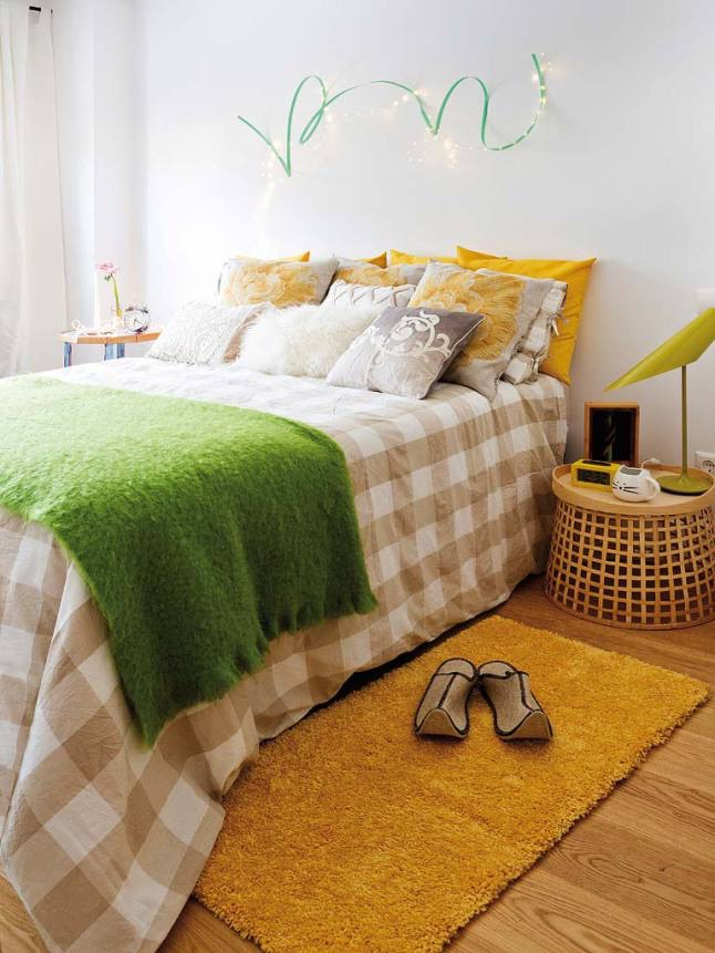 Casa nórdica mediterránea el dormitorio en beige, amarillo  crema
