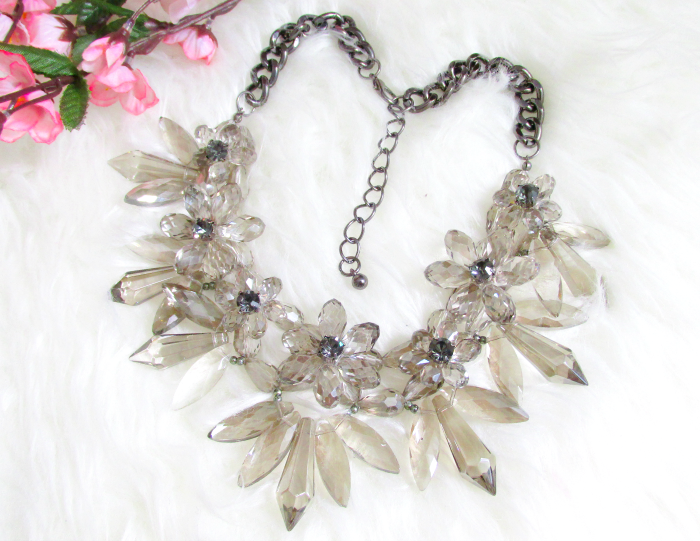 Review: Jane Stone - Chunky Crystal Statement Necklace