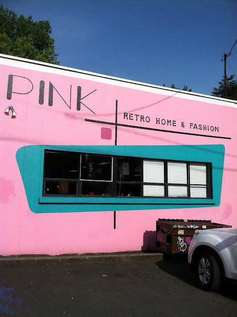Pink Vintage, Edie's Closet