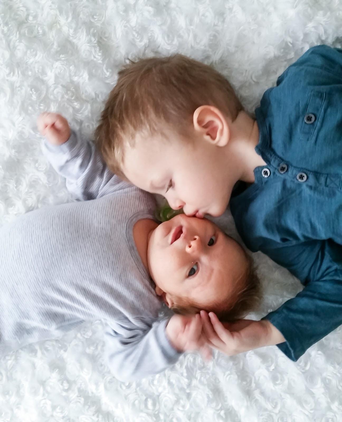 Elämää taaperon ja vauvan kanssa