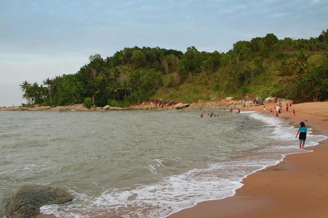 Pantai Sinka Island Park