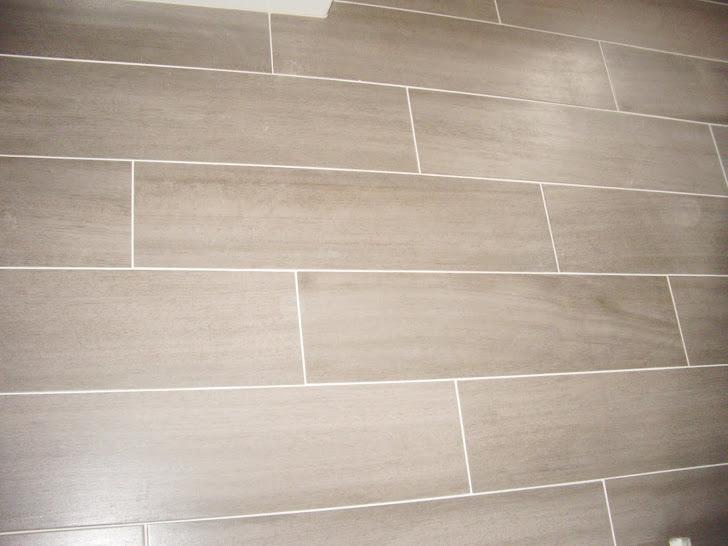 bao suelo gris pared blancacasas con piso de ceramica imitacion madera bao suelo gris pared blanca