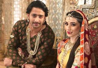 Anarkali meyakinkan laki-laki itu untuk membawa suratnya ke Salim Sinopsis Salim Anarkali ANTV Episode 7