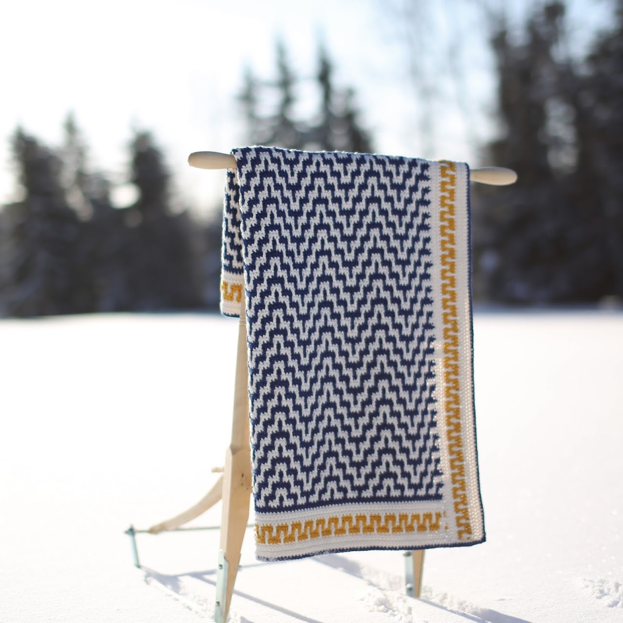 One Step Beyond blanket - FREE crochet pattern by @martinupnorth
