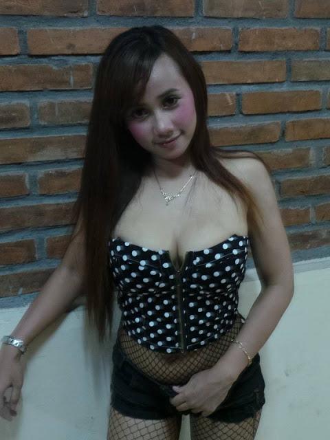 Koleksi Foto Uut Selly Penyanyi Dangdut Hot Seksi Toket gede 2