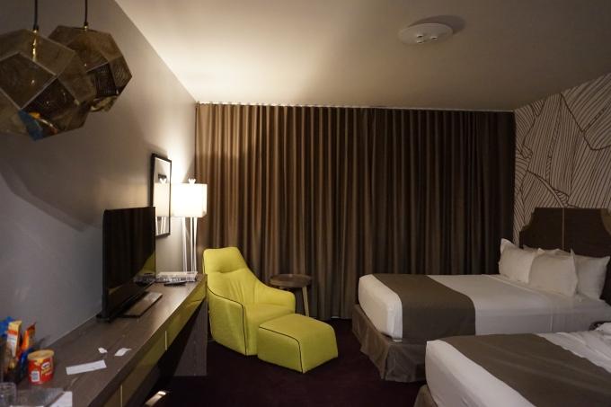 Kokemuksia Miami Beachin hotelleista ja majoituksista lasten kanssa sekä leikkipaikoista / L-hotel Miami Mid Beach