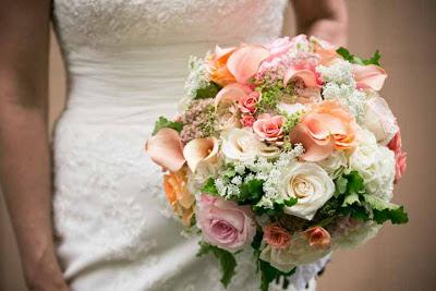 peach garden roses, romantic bouquet, Flora Nova Design