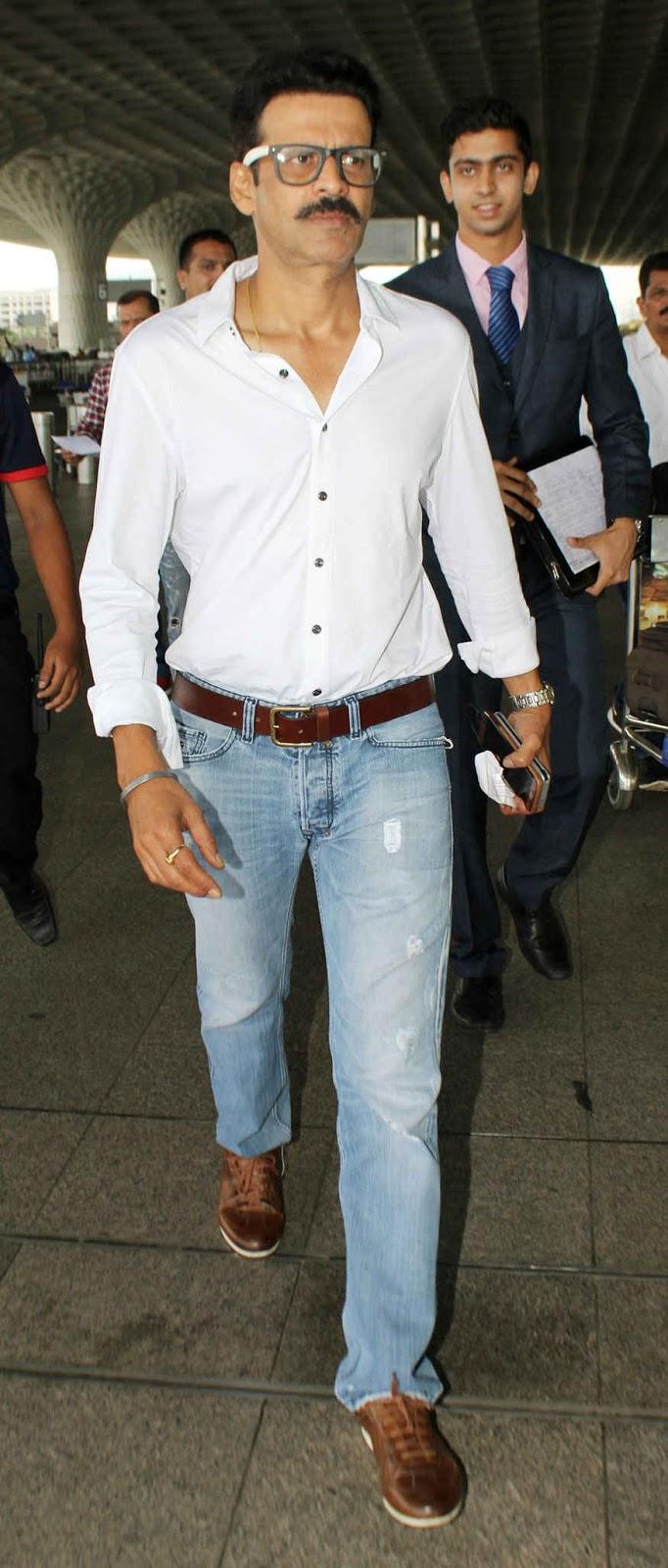 Manoj Bajpai Snapped at Mumbai Airport