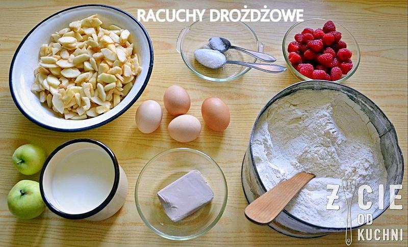 ciasto na racuchy, racuchy drozdzowe, skladniki na racuchy, jak zrobic racuchy, przepis na racuchy, przepisy babci, zycie od kuchni