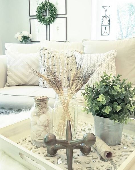 Decor ideas for coffee table