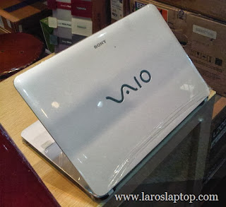SONY VAIO SVF142C1WW - Laptop Baru