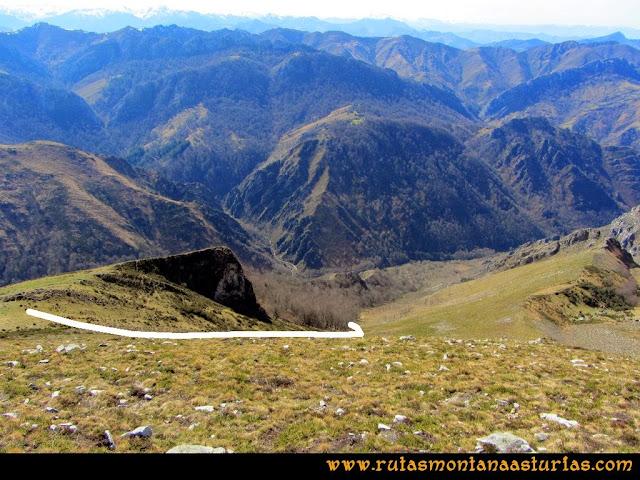 Ruta Pico Vízcares: Descenso al bosque que baja a la majada Degoes