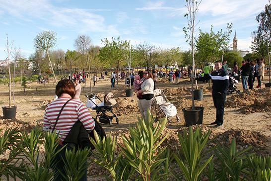 http://diariojaen.es/jaen/mas-de-una-veintena-de-municipios-recuperan-sus-zonas-verdes-a-traves-del-programa-regenera-BE2457333