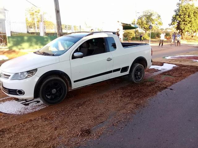 Policial embriagado destrói tapete de Corpus Christi com carro e fiéis se revoltam em Ji-Paraná