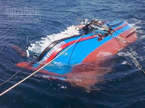 Quảng Ngãi Một tàu cá bị chìm khi chạy bão