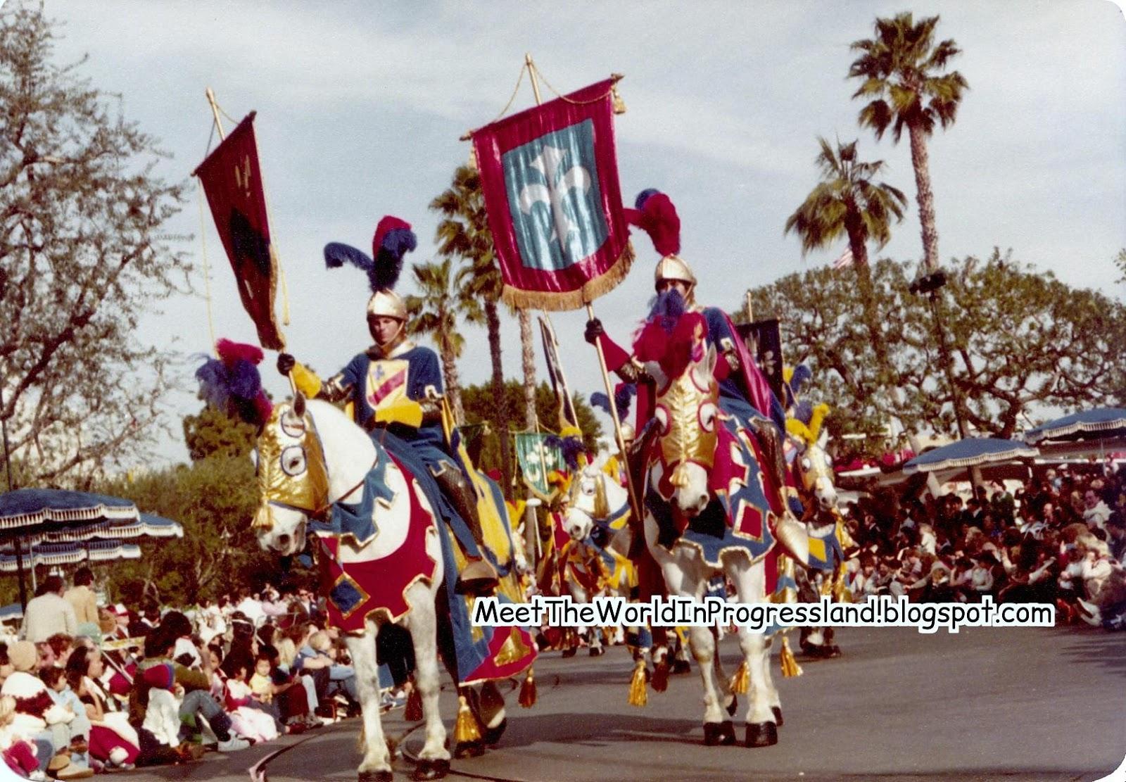 Anciennes Parades des Resorts Américains 1981%2BFantasy%2BOn%2BParade%2B-%2BPlaza
