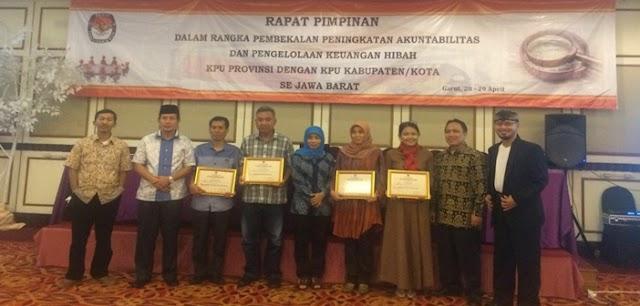 KPUD Kabupaten Bandung Raih Penghargaan dari KPU Jawa Barat