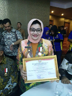 Subang Terima Penghargaan Sebagai Pembina Karang Taruna Terbaik.