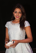 Madhu Shalini dazzling photo shoot-thumbnail-18