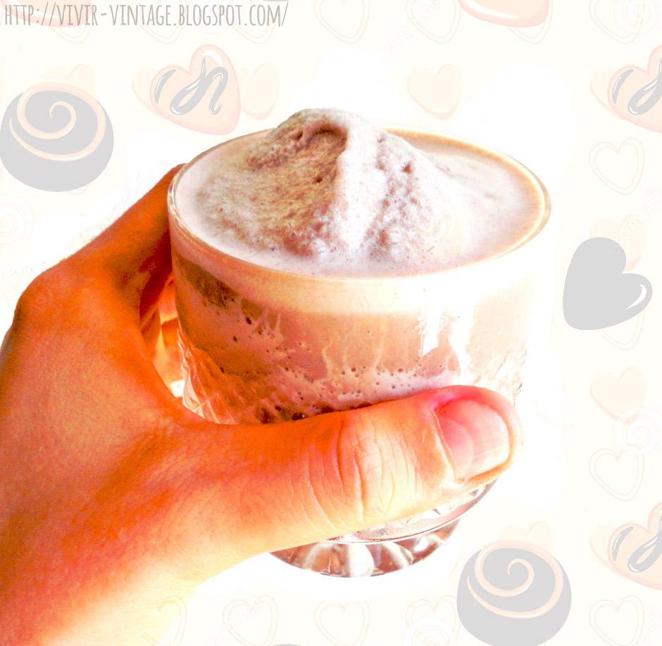 Smoothie de chocolate completamente sano, sin azúcar